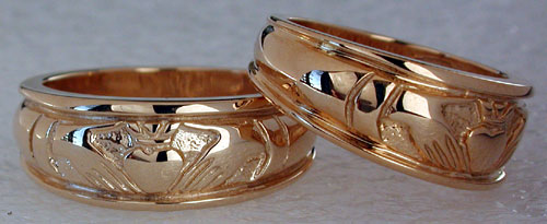 taper to back on Claddagh wedding rings
