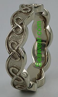 eternal Celtic knot wedding rings