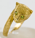 14kt jewelry cat ring with peridot eyes