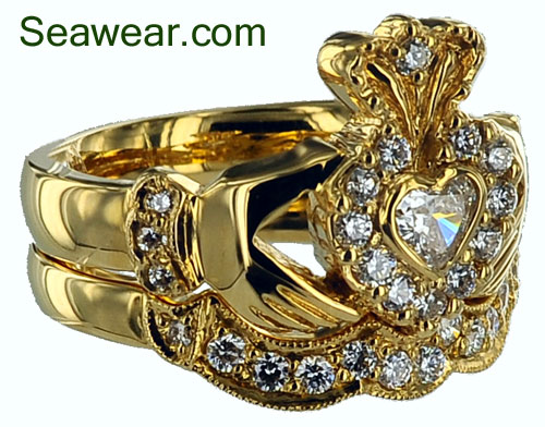 This Is A More Elaborate Claddagh Wedding Set The Claddagh Ring Is