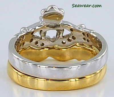 Claddagh wedding band set