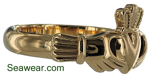 gold Claddagh band