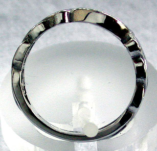 thickness of the Celtic Claddagh ring