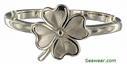 white gold four leaf clover ring