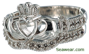 Claddagh engagement ring and wedding band set