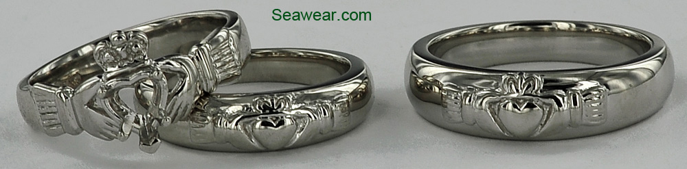 Super Mens Irish Claddagh Ring. Black Silver Irish Friendship Love  JO74