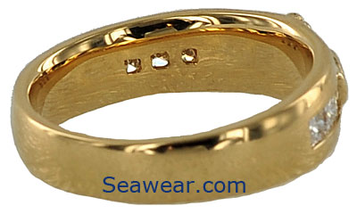 inside view of gold Claddagh wedding band