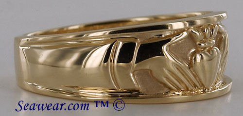 gents 14kt yellow gold Claddagh wedding ring