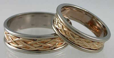 Celtic knot bands doen in white yellow white gold