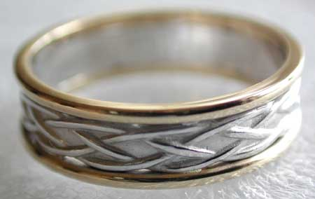Celtic knot wedding band with white knots and yellow trim
