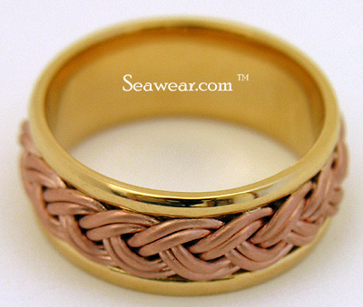 18kt yellow comfort wedding band with 14kt rose gold braid