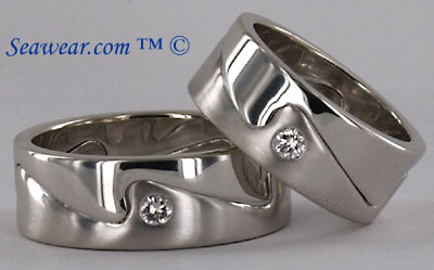 14kt white gold whitecap wedding band with diamond