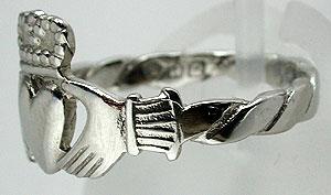 claddagh-ring-019~102